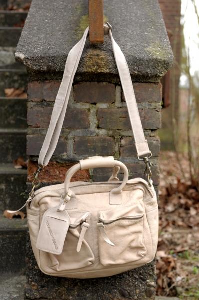 126adc0eb7e Cowboysbag The Little Bag sand 1346 230