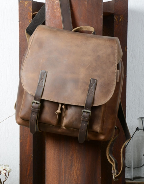 aunts and uncles hitchhiker rucksack hazelnut aunts and uncles. Black Bedroom Furniture Sets. Home Design Ideas