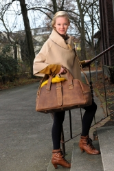 aunts and uncles Joe vintage tan holdall Weekender