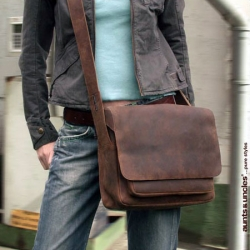 aunts and uncles Luc Postbag M dark brown
