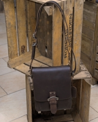 aunts and uncles Sammy Postbag M dark brown