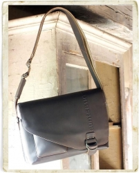 aunts and uncles Big Judd vintage brown Postbag XL