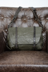 aunts and uncles Mrs. Cream Cake II olive grey Postbag S