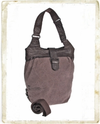aunts and uncles The Quirky Kinfolk Mrs. Awesome Shoulder Bag L