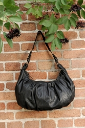 aunts and uncles Lisa Schultertasche black