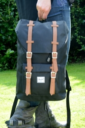 Herschel Little America Rucksack black Medium Size