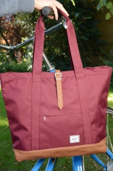 Herschel Market XL Shopper wine