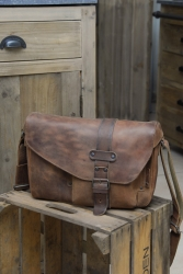 aunts and uncles Medium Miles Hunter vintage tan Postbag L