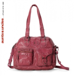 aunts and uncles Strawberry Fudge II boysen berry Shoulder Bag M