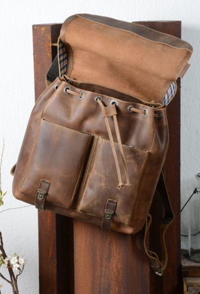 aunts and uncles hitchhiker rucksack coffee. Black Bedroom Furniture Sets. Home Design Ideas