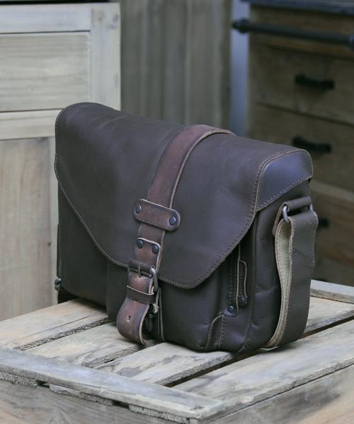 aunts and uncles miles hunter vintage brown postbag m. Black Bedroom Furniture Sets. Home Design Ideas