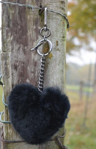 Oakwood Herz taupe Schlüsselanhänger Charm Keyrings Bommel Puschel Fell